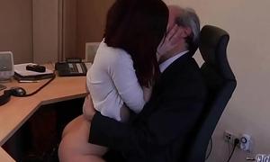 I am a youthful secretary fogey my hotshot winning berth asking be advantageous to sex