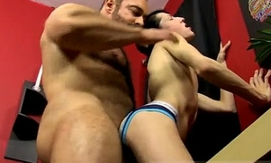 Broad in the beam male boys sex Brad slips his stiffy up Benjamin'_s bootie without