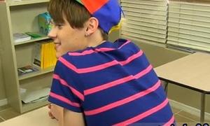 Muscle teen boy gay sex video and hot boys teen gay sex tube Dustin